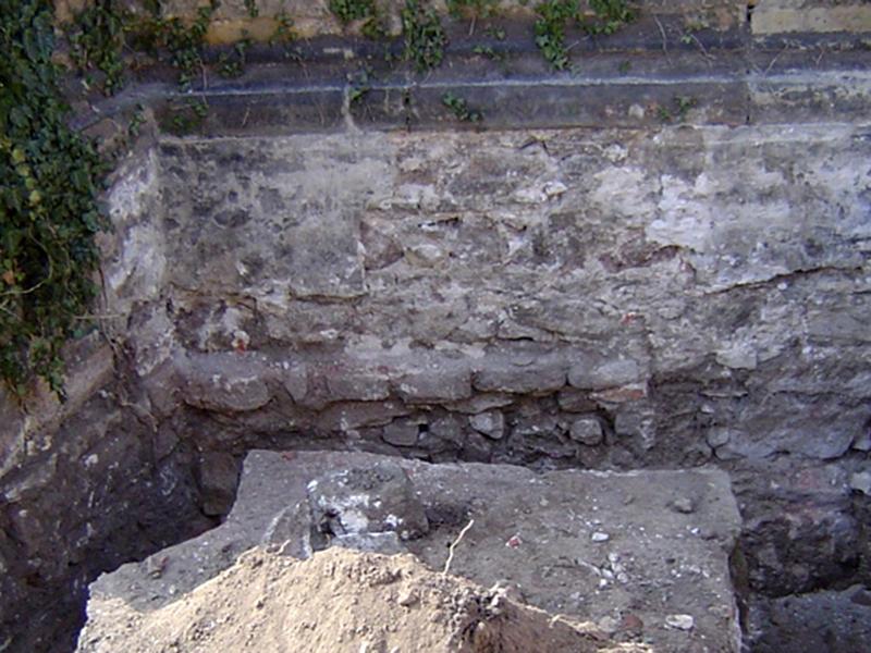 Vertikale Mauerwerksabdichtung mit DERNOTON